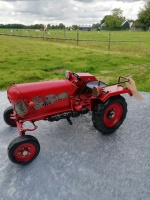 tractor-rood-2
